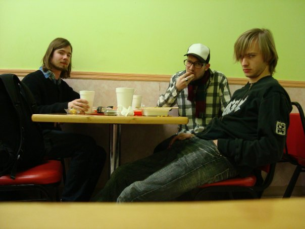 With Bram Stadhouders and Bas Verbeek at a Chinese restaurant at Christmas Eve on tour in the US in 2010.
